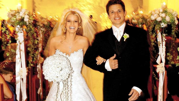 GIFTET SEG I VERA WANG: Da Jessica Simpson giftet seg med Nick Lacey i 2002 hadde sangeren p seg en av Vera Wangs mange brudekjolekreasjoner. Foto: Stella Pictures
