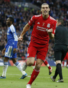 - Newcastle kaster seg inn i kampen om Carroll