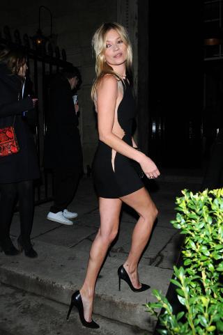 ELSKER NORSK PELS: Den superglamor�se modellen Kate Moss er flere ganger blitt observert i en pelsjakke fra norske Sanaz Shirazi. Foto: Stella Pictures