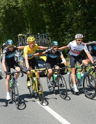 Lukrativ Tour for Team Sky