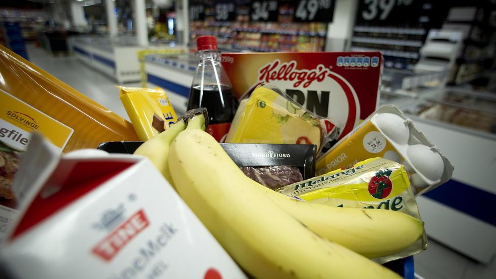 BILLIG: Norge er ett av de landene i verden hvor det er billigst � kj�pe mat, hvor den er lettest tilgjengelig, og hvor matsikkerheten er st�rst. Dette fordi vi bruker mindre andel av l�nna til � kj�pe mat enn de fleste andre land. Foto: BJ�RN LANGSEM/DAGBLADET