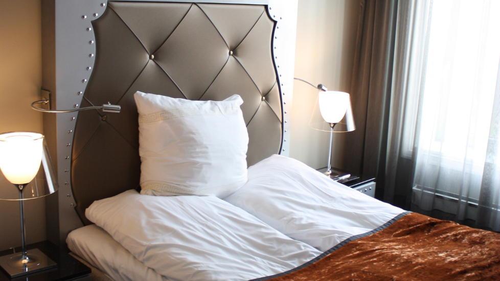 ... liten suite får du eget soverom og to bad med plass til hele familien