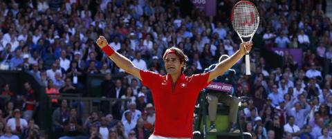 Federer seirende ut av rekordlang servefest
