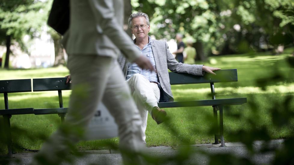 INSPIRERT AV VIRKELIGHETEN: Gunnar Staalesen har hentet inspirasjon fra autentiske krimsaker i sin nyeste bok. - Man kan ikke annet enn � ha medf�lelse med dem som opplever dette, sier forfatteren om letingen etter savnede Sigrid Giskegjerde Schjetne (16). Foto: Thomas Haugersveen
