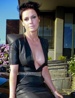 Kliss naken Aqua-Lene misbrukes av pornonettsted
