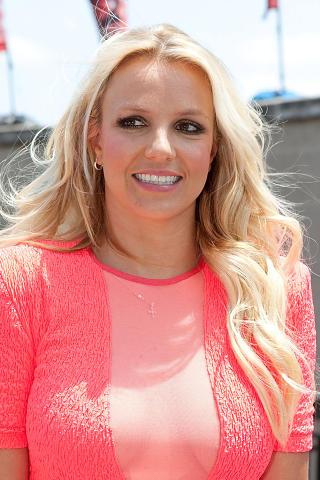 SAMARBEIDET MED WROLDSEN: Ina Wroldsen skrev �n av l�tene som er � finne p� Britney Spears nyeste album. I sommer ble den norske l�tskriveren kalt til Los Angeles for � fortsette samarbeidet med pop-prinsessa. Foto: Rick Kern / Getty Images / AFP / NTB scanpix