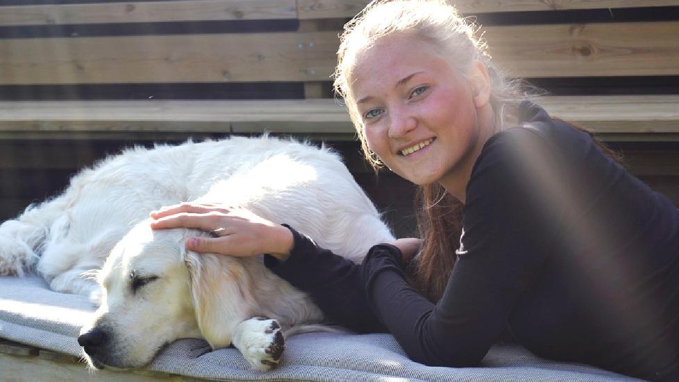 SAVNET: Sigrid Giskegjerde Schjetne (16) har v�rt savnet i snart to uker. N� utlover foreldrene hennes en dus�r p� 950 000 kroner. Foto: Privat / NTB scanpix
