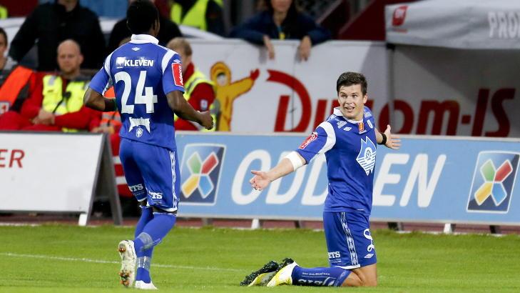 M�LSCORER: P�l Andr� Helland feirer scoring. Foto: Jan K�re Ness / NTB scanpix