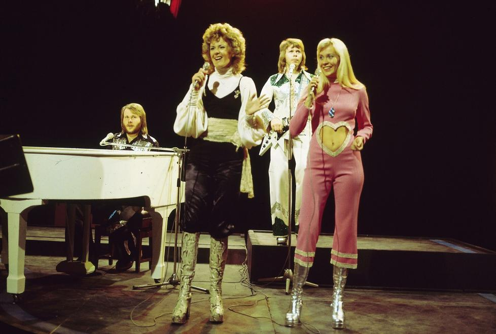 IKONISK GRUPPE: Benny Andersson, Anni-Frid Lyngstad, Bjrn Ulvaeus og Agnetha Fltskog dannet en av 70-tallets mest populre popgrupper, ABBA. N kan du sikre deg plagg fra en av gruppas medlemmer, Frida. Foto: Stella Pictures