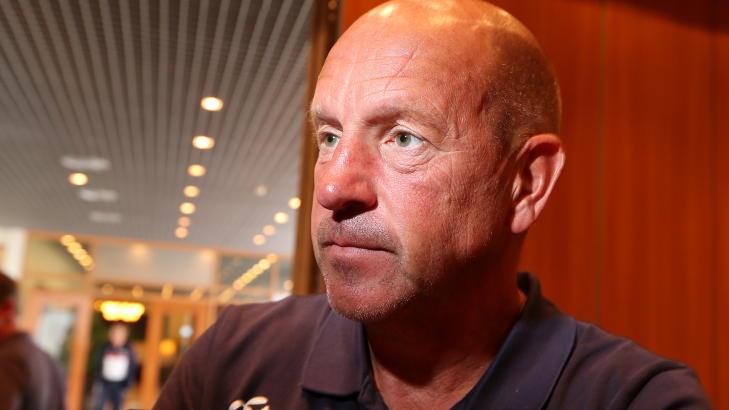 H�PER FLERE KOMMER: Toppfotballsjef Nils Johan Semb h�per og tror flere bestemmer seg for � reise p� landskamp i morgen ettermiddag. Foto: H�kon Mosvold Larsen / NTB scanpix