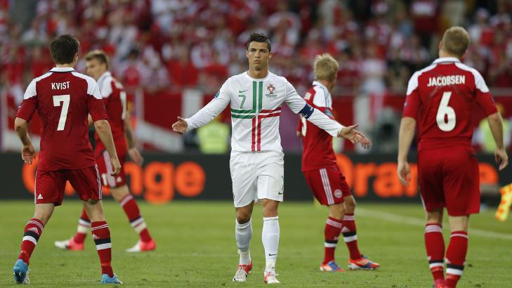 MESSI-MOBBING: Cristiano Ronaldo har flere ganger blitt m�tt med �Messi�-tilrop, blant annet i EM-kampen mot Danmark i sommer. Foto: DARREN STAPLES / REUTERS / NTB SCANPIX