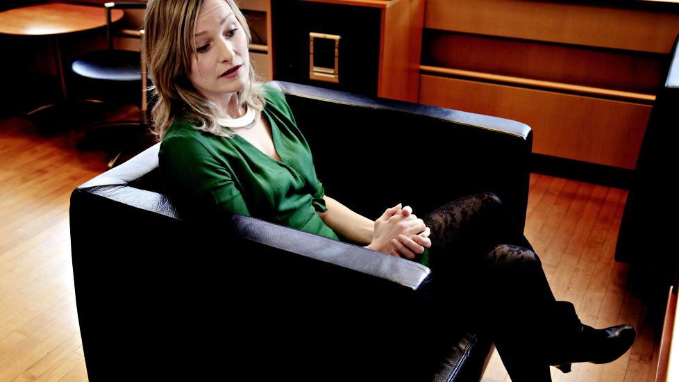 - DE F�RRESTE FRIVILLIG:  - Menn m� tenke p� at de f�rreste kvinner som selger sex, gj�r det frivillig, p�peker SV-nestleder og statsr�d Inga Marte Thorkildsen. FOTO: JACQUES HVISTENDAHL/ DAGBLADET.