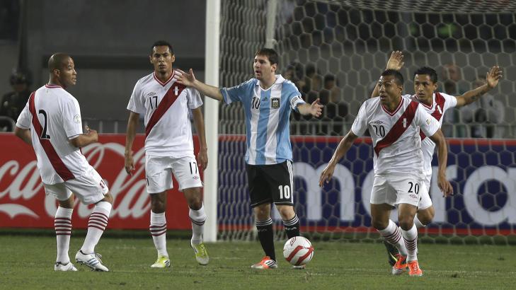IKKE HELT FORN�YD: - Det var mer kjemping enn fotball, sier Lionel Messi.Foto: RICARDO MAZALAN / AP / NTB SCANPIX