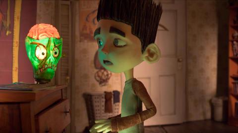 FREAK: Norman er 11 �r og ser d�de mennesker. Det g�r greit, helt til zombiene dukker opp.