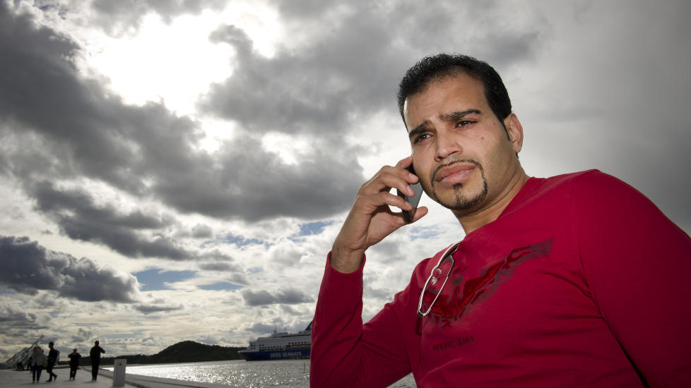 FIKK TELEFONEN MISBRUKT:  Taj Sahab ble utsatt for svindelforsøk og fikk en regning på 1, 6 millioner kroner fra Get. Foto: Øistein Norum Monsen