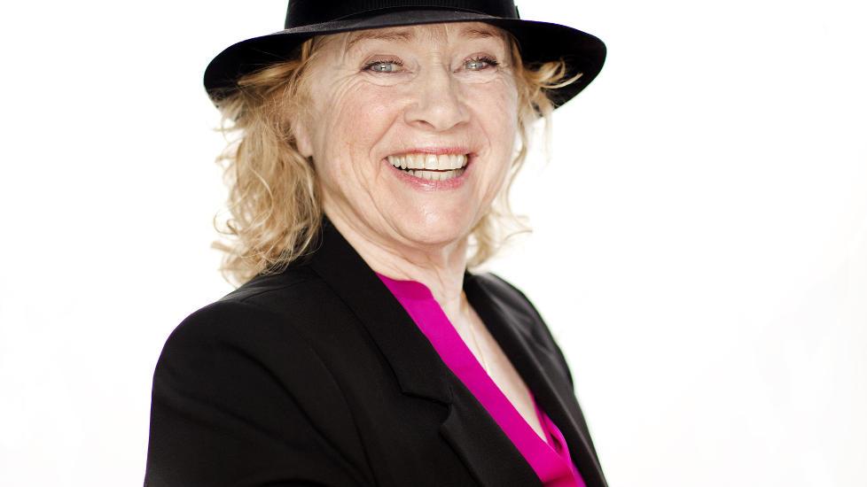 AKTIV DAME: Liv Ullmann kan se tilbake p� et rikholdig, interessant og spennende liv. I en alder av 73 �r har hun mer � gj�re enn noen gang. Foto: AGNETE BRUN