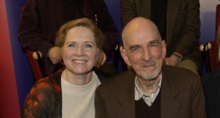MORO P� SVENSK: -Ingmar hadde mye humor. Vi var lekekamerater, sier Ullmann om mesterregiss�ren hun bodde med i fem �r. Her sammen i 2001.