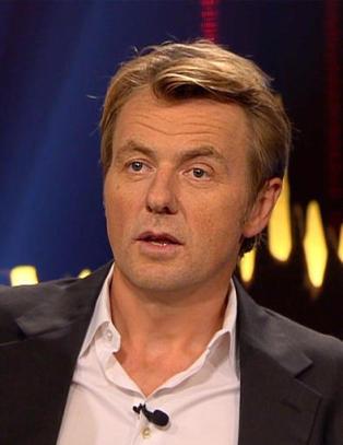 Her overraskes Fredrik Skavlan med en �blinkende dildo�