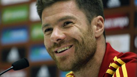 Skyldte penger: Liverpool skyldte visstnok en hemmeligholdt spanjol penger for Xabi Alonso.  Foto: EPA/ANGEL DIAZ