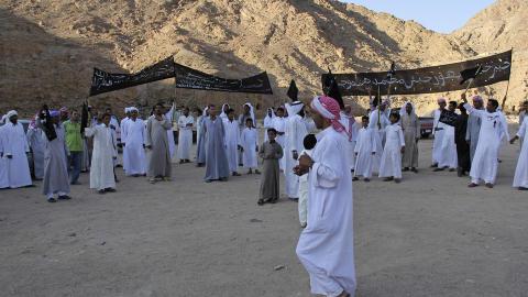 DEMONSTRASJON: Uroen i Sinai startet som en fredelig demonstrasjon. Foto: AP / Mohammed Sabry / NTB Scanpix