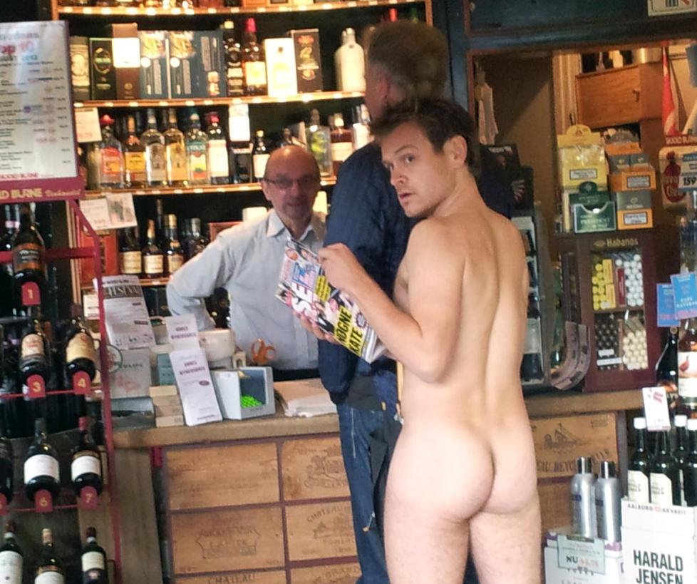 nakenbilder bøsse av gutter helt nakne menn