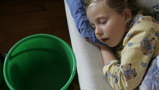 BRA FOR MAGEN: Barn som mister v�ske n�r de enten kaster opp eller har diar�, trenger p�fyll av v�ske som inneholder b�de salter og sukker. FOTO: Colourbox