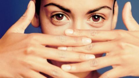 HELSE I NEGLENE: Ta vare p� neglene dine, de kan gi deg nyttig informasjon om helsen din.  FOTO: Thinkstock