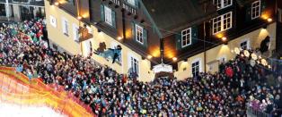 I Alpenes beste partyby st�r du p� ski i noen av Europas lengste bakker