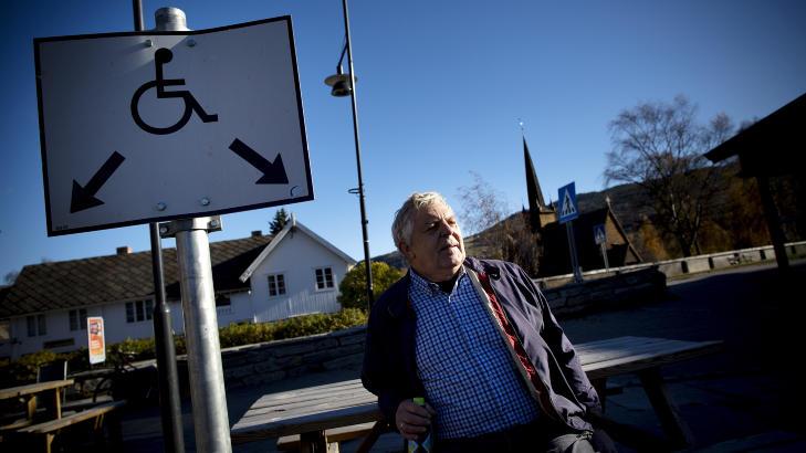 PREGET DAL:  - Dette preger hele Ottadalen, fra Otta til og med Skj�k, sier Oddmund Eiterjord (68), som har kjent ordf�reren - som han beskriver som veldig profilert og aktiv - i mange �r. Foto: Tomm W. Christiansen / Dagbladet