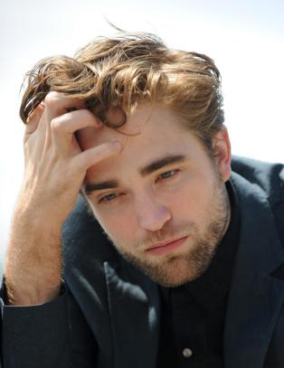 Robert Pattinson om sexscenen med sin utro kjreste: - Latterlig!