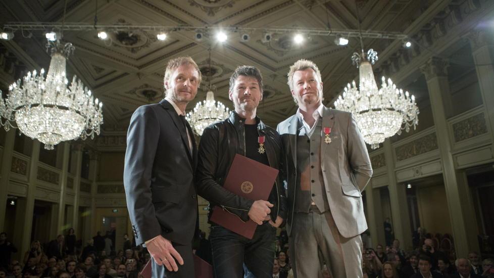 RIDDERE: Paul Waaktaar-Savoy, Morten Harket og Magne Furuholmen ble i dag sl�tt til riddere av 1. klasse. Medaljeutdelingen fant sted i Gamle Logen i Oslo. Foto: Thomas Winje �ijord / NTB scanpix