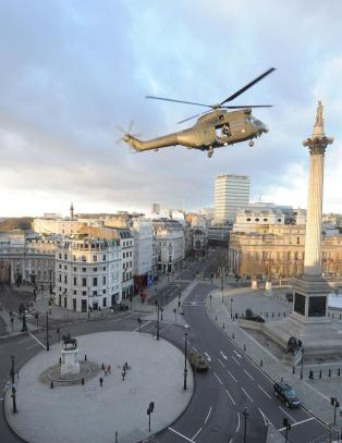 Tom Cruise tok over Trafalgar Square