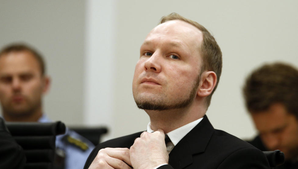 P� NETT: Anders Behring Breivik ble radikalisert i ekkokamre p� nettet. I dag samles blant annet bloggere, forskere og Europas Facebook-avdeling til konferanse i Budapest, for � diskutere hvordan ekstremisme og hatideologi p� nett kan bekjempes.   Foto: Heiko Junge / NTB scanpix