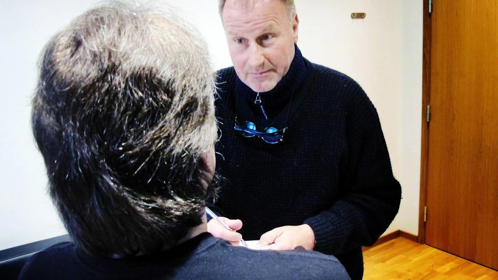 FORVARING: Martin Kolbergs stes�nn (48) er d�mt til fem �rs forvaring.  Her sammen med sin forsvarer Oscar Ihleb�k. Foto Gunnar Hultgreen / Dagbladet