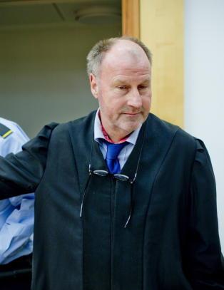 Kolbergs stes�nn var tiltalt for grov uaktsom voldtekt. I retten ble det oppjustert til forsettelig