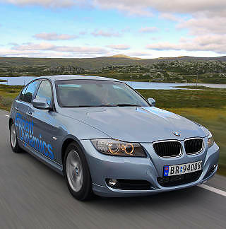 GJERRIG FAMILIEBIL: BMW 320d (forrige generasjon) har 163 hk, men er snill med dieseldråpene. Bare 0,47 l/mil brukte den i testløypa.