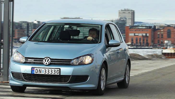 GJERRIG KOMPAKTBIL: VW Golf BlueMotion av forrige generasjon brukte 0,45 l/mil p� testrunden. Alle foto: EGIL NORDLIEN / HM Foto og Vi Menn Bil Top Gear-redaksjonen