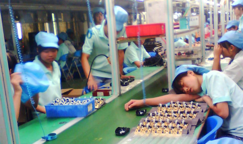 Slik Sliter Kinesiske Arbeidere For 229 Bli Ferdig Med