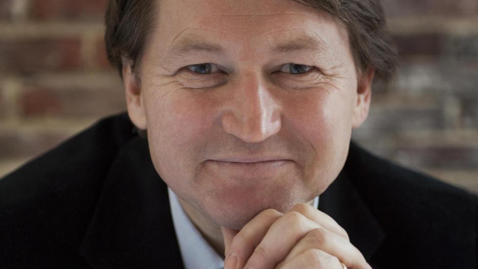 SVARER: EU-ekspert og EU-entusiast Paal Frisvold svarer leserne i nettm�te klokka 16. Foto: Jasiden.