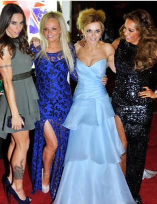Victoria Beckham holdt seg unna de andre Spice Girls-jentene