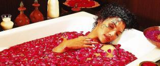 Du ligger og bader i blomster, ved foten av verdens h�yeste fjell