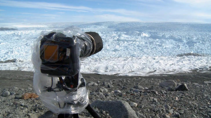 25 KAMERAER: Uker med venting og 25 timelapsekameraer m�tte til for � fange isbre-kalvingen p� film.