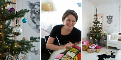Ingrid Aune Westrum driver bloggen Fjeldborg. Her ser du hennes lekre julepyntede hjem med en miks av friske blomster, stjerner, gamle julekuler, gull og glitter. FOTO: Ingrid Aune Westrum / blog.fjeldborg.no