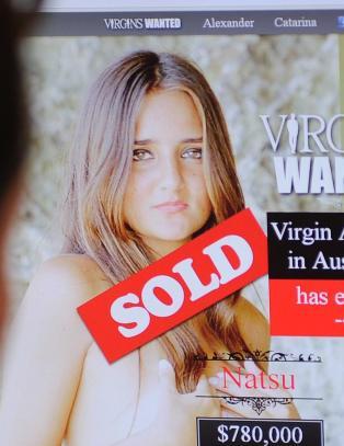 Catarina (20) solgte jomfrudommen sin p� nettauksjon for 4,5 millioner