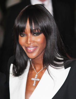 - Naomi Campbell brutalt angrepet