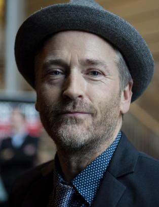 Morten Abel synger p� norsk