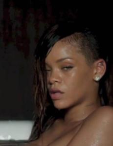 Rihanna kaster kl�rne igjen