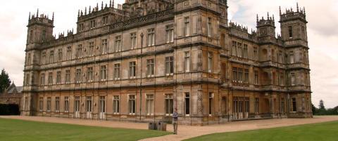 Her kan du kysse i kulissene til Downton Abbey