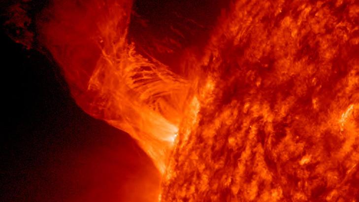 SOLEKSPLOSJON: Denne eksplosjonen på sola skjedde 31. desember i fjor. Foto: reuters / Nasa / Scanpix
