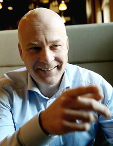 - Ser fram til � samarbeide og � konkurrere med Olav